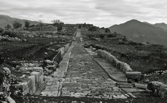 Norba (Norma) - Scavi archeologici, strada romana