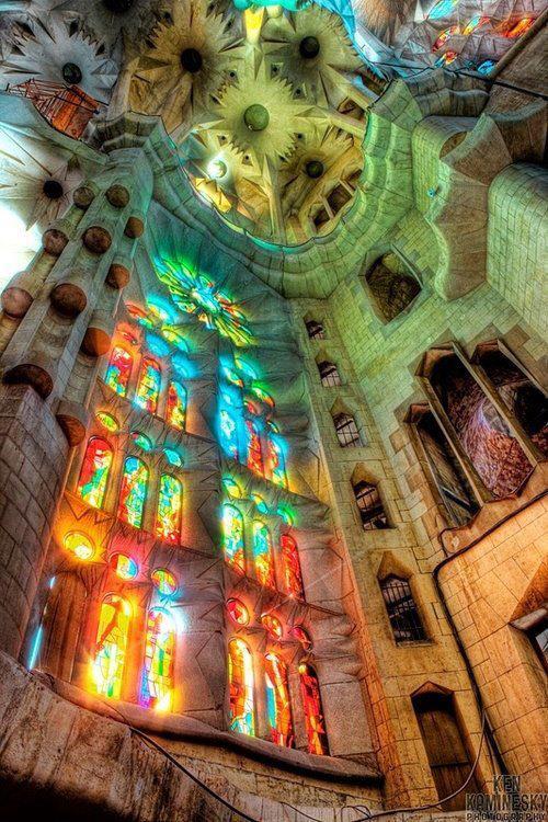 Antoni Gaudí - Basílica y Templo Expiatorio de la Sagrada Familia, Barcelona