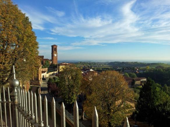 Mocucco Torinese - Dal castello, verso il piano
